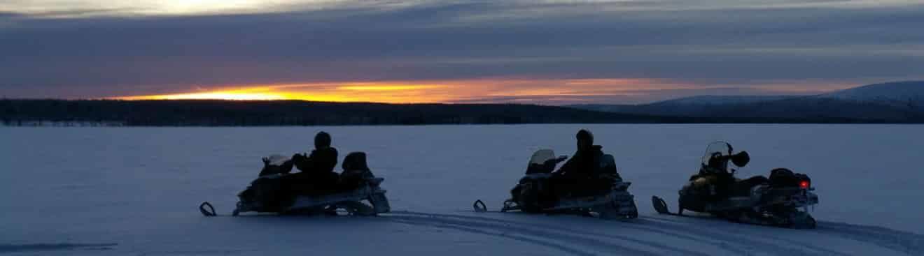 raid-motoneige-laponie-Terres-Arctiques-Planet-Ride